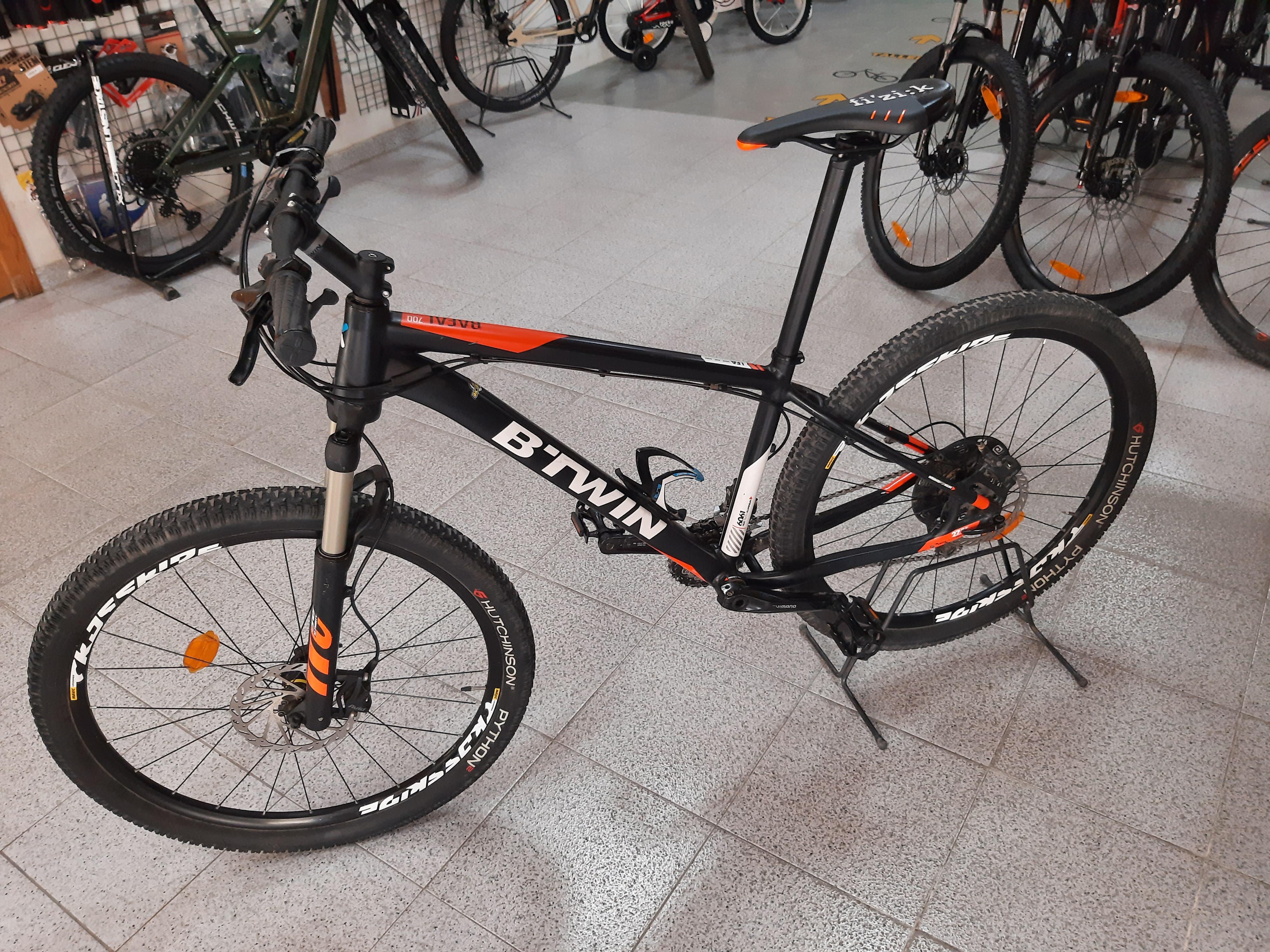 btwin-negra-naranja-rigida-3